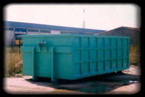 residuos en un contenedor
