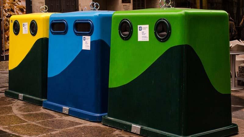 5 tipos de contenedores de residuos urbanos que encontramos en la calle