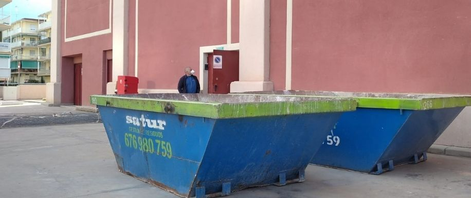 El contenedor de obra, uso, regulación y coste